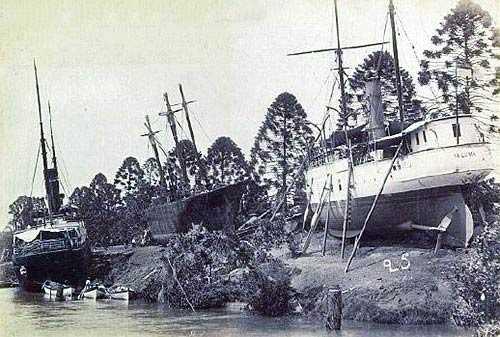 paluma_aground